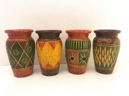 Vase i moderne design og forskellige farver